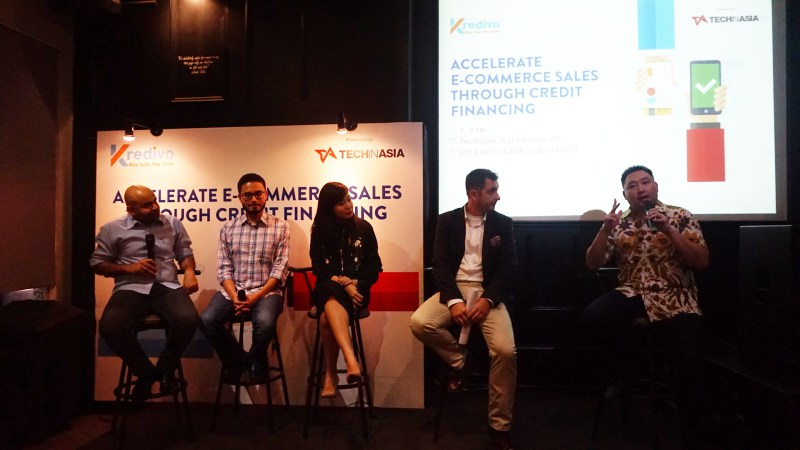 Dari kiri ke kanan: Akshay Garg CEO & Co-Founder FinAccel, Ahmed Aljunied CTO Jualo, Lily Suriani VP Marketing Bhinneka, Tomas Prosek Head of Online Business Development Home Credit, dan Jefrey Joe Partner Alpha JWC Ventures.